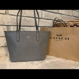 Coach Central Tote Handbag with Zip, Brand New!